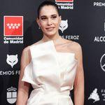 El vestido de Celia Freijeiro le juega una mala pasada y la deja al descubierto en la alfombra