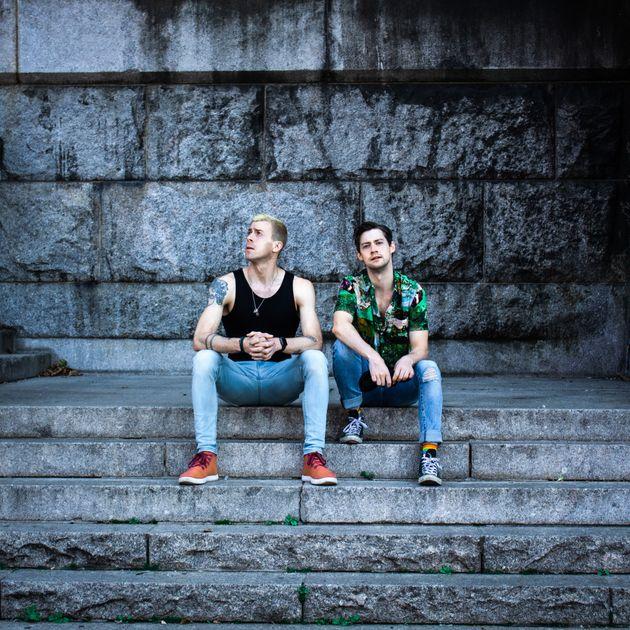 Will Van Dyke de Stereo Dawn (izquierda) y Chris Dwan lanzó su álbum debut,