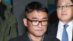 김건모가 유흥업소는 갔지만 배트맨 티셔츠는 안 입었다며 결백을