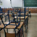 Unos alumnos de Córdoba dan una lección con el mensaje que dejaron en la pizarra a unas trabajadoras de la