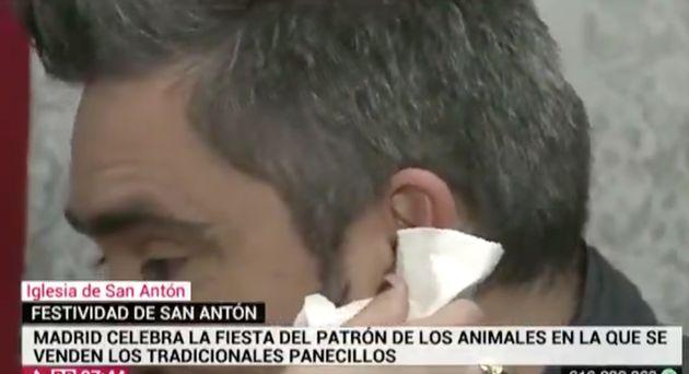 José Antonio Masegosa, periodista de Telemadrid, sangrando por la