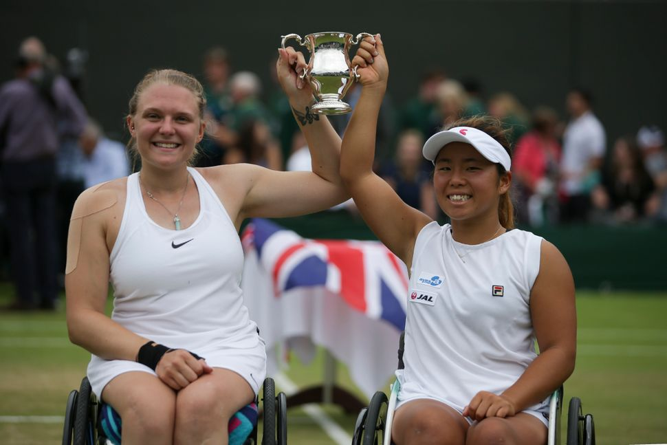 Jordanne Whiley with doubles partner Yui Kamiji in 2017.