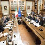 Il bonus Renzi cresce fino a 100, estesa la platea. Il plauso dei sindacati: