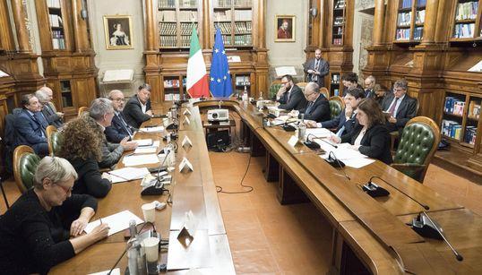 """TUTTI CONTENTI SUL CUNEO - Bonus Renzi sarà rafforzato ed esteso. Ok dai sindacati. Conte: """"È il primo mattone per 16 milioni..."""