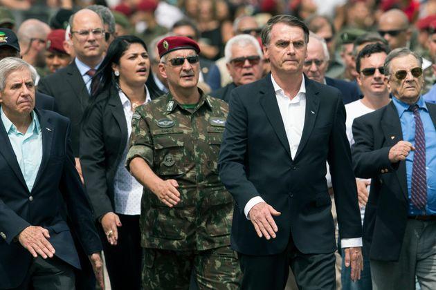 O governo Bolsonaro vai chamar 7 mil militares da reserva que receberão uma gratificação...