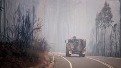 Vingt pompiers forestiers du Québec partent combattre les feux en