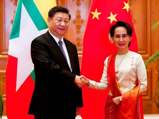 中国の習近平国家主席とミャンマーのアウン・サン・スー・チー国家顧問兼外相