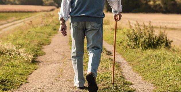 Evade dai domiciliare a 86 anni per andare al night club