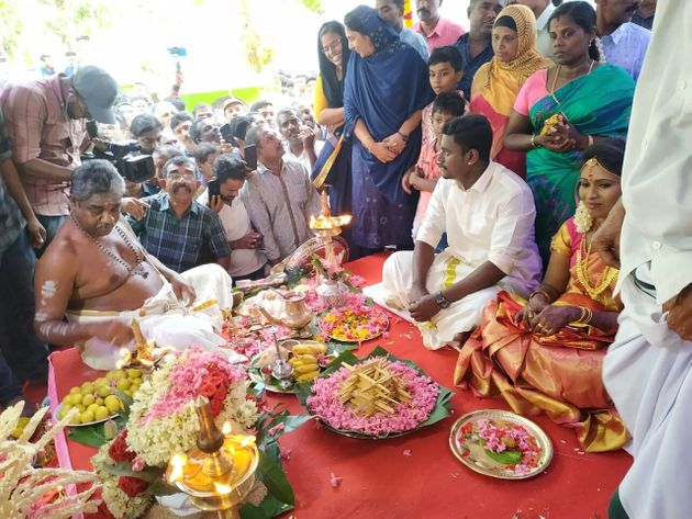 Cheruvally Muslim Jamaat Mosque Alappuzha in Kerala has opened its gates and coffers for a Hindu wedding,...