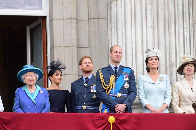 Le couple a annoncé samedi 18 janvier qu'il ne représenterait plus la reine