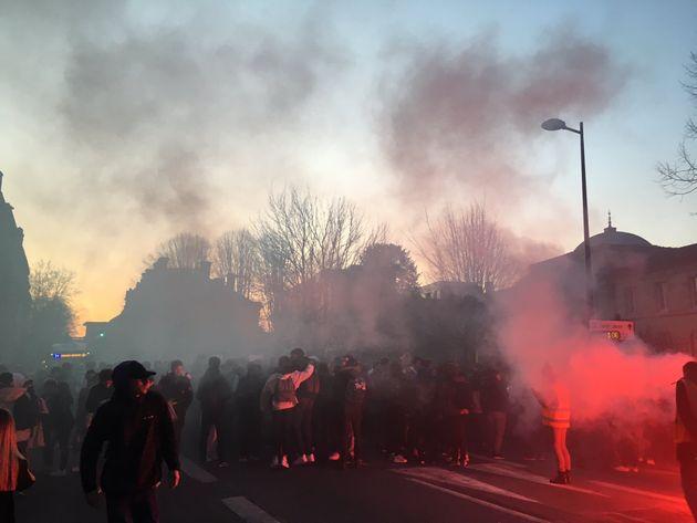 Blocage du lycée Gustave Eiffel à Bordeaux contre la tenue des épreuves du nouveau baccalauréat, dites