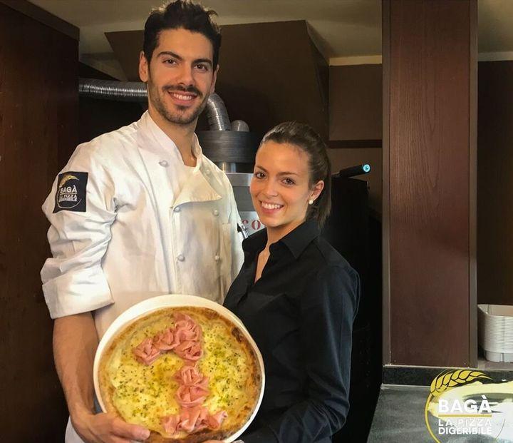 """""""Venir sans enfant, éduquer sa progéniture, changer de pizzeria ou rester à la maison"""""""", le message de ce couple de restaurateurs italiens."""