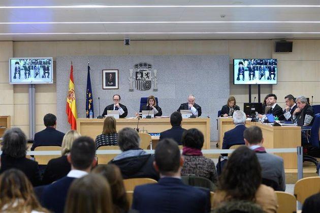 Los acusados por la actuación de los Mossos d'Esquadra de cara al referéndum del 1-O, el mayor de los...