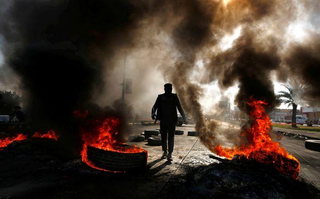 Il Governo non risponde alla piazza, ancora proteste e disor