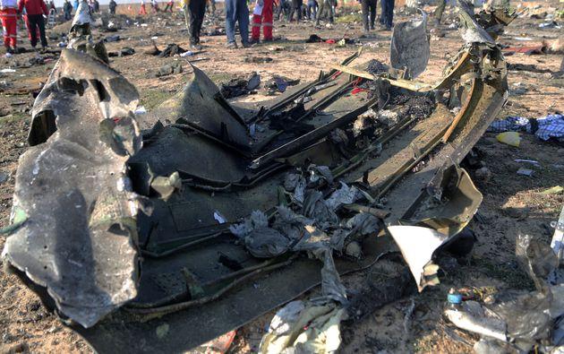 Τα μαύρα κουτιά του αεροπλάνου που καταρρίφθηκε στο Ιράν ζητά η