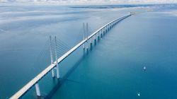 Γιατί θα χρειαστούν 13 χρόνια για να βαφτεί η γέφυρα που συνδέει την Δανία με την