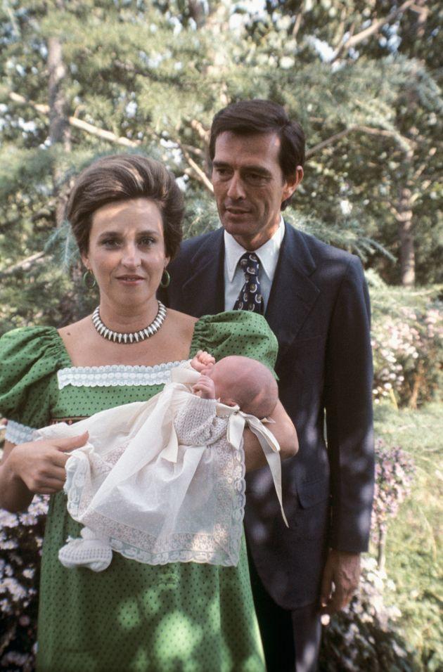Pilar de Borbón y Luis Gómez-Acebo junto a su hijo pequeño Fernando.
