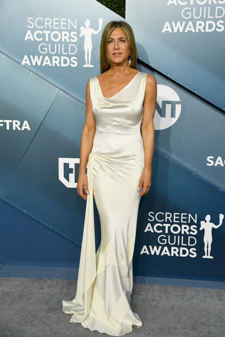 Jennifer Aniston con el vestido de John Galliano para Dior.
