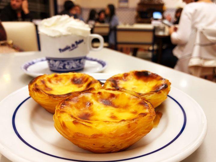 Uma média de 21 mil pastéis de Belém é produzida diariamente.