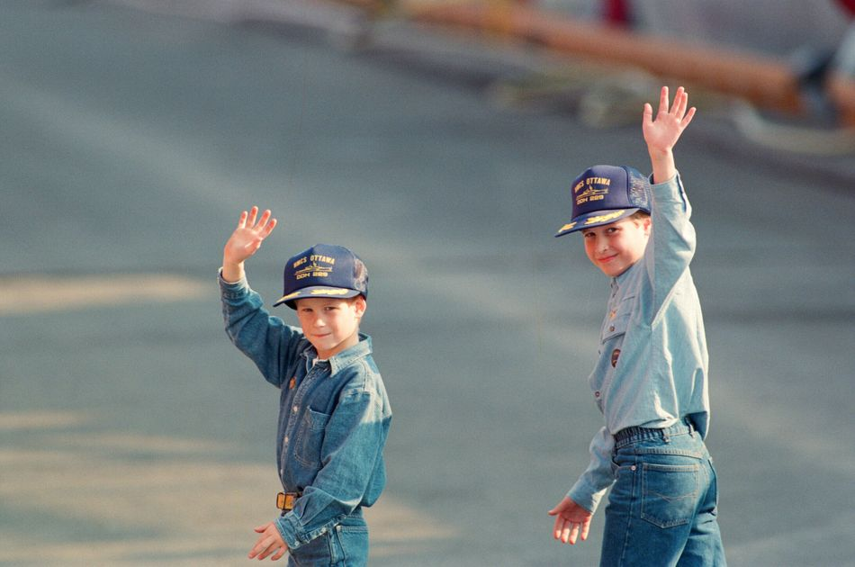 During their tour of Canada, Harry and William were given hats by the crew of the Canadian frigate HMCS Ottawa after they toured the ship on the Toronto waterfront. Oh, and they also wore adorable jean-on-jean outfits.