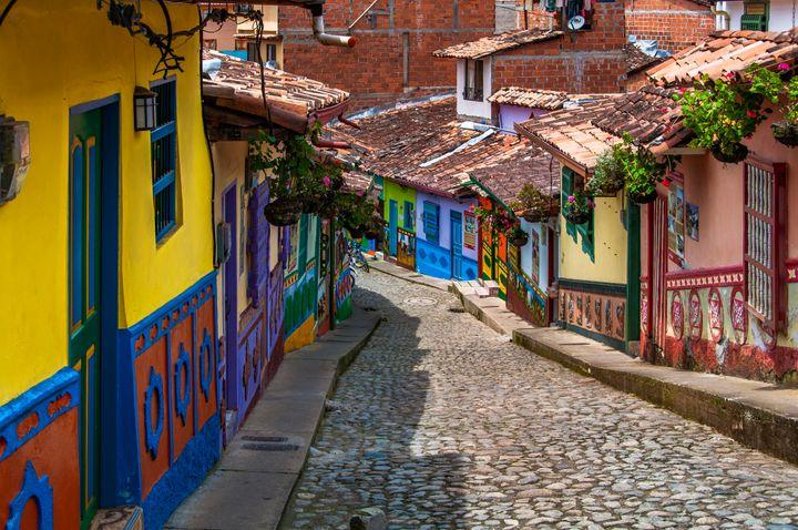 Casas coloridas são a marca de Guatapé, cidadezinha perto de Medellín.