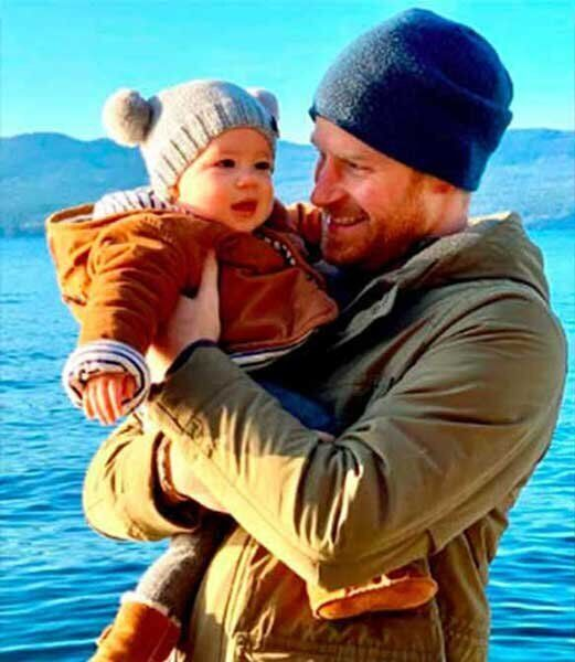 Welcome to Canada, Archie! The Duke and Duchess of Sussex brought their eight-month-old son to B.C. with them for their Christmas holiday, and the cutie is currently living with his mum on Vancouver Island. According to proud dad, Harry, Arch experienced his first snowfall in the Great White North.