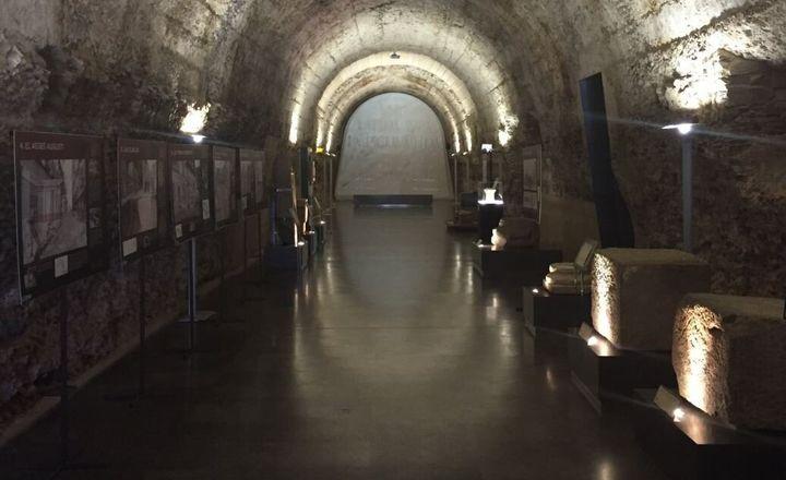 El interior del museo romano de Astorga.