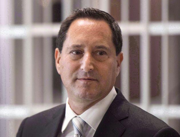 元モントリオール市長マイケル・アップルバウムが9月12日にモントリオールの法廷を去る