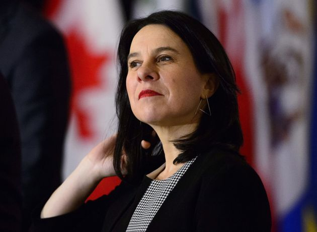 モントリオール市長のヴァレリープランテは、カナダの市町村連合の大都市市長のコーカスで講演しています...