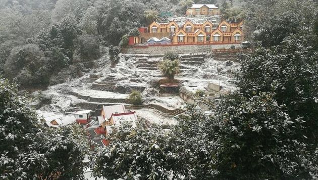 A view of Everest Panorama