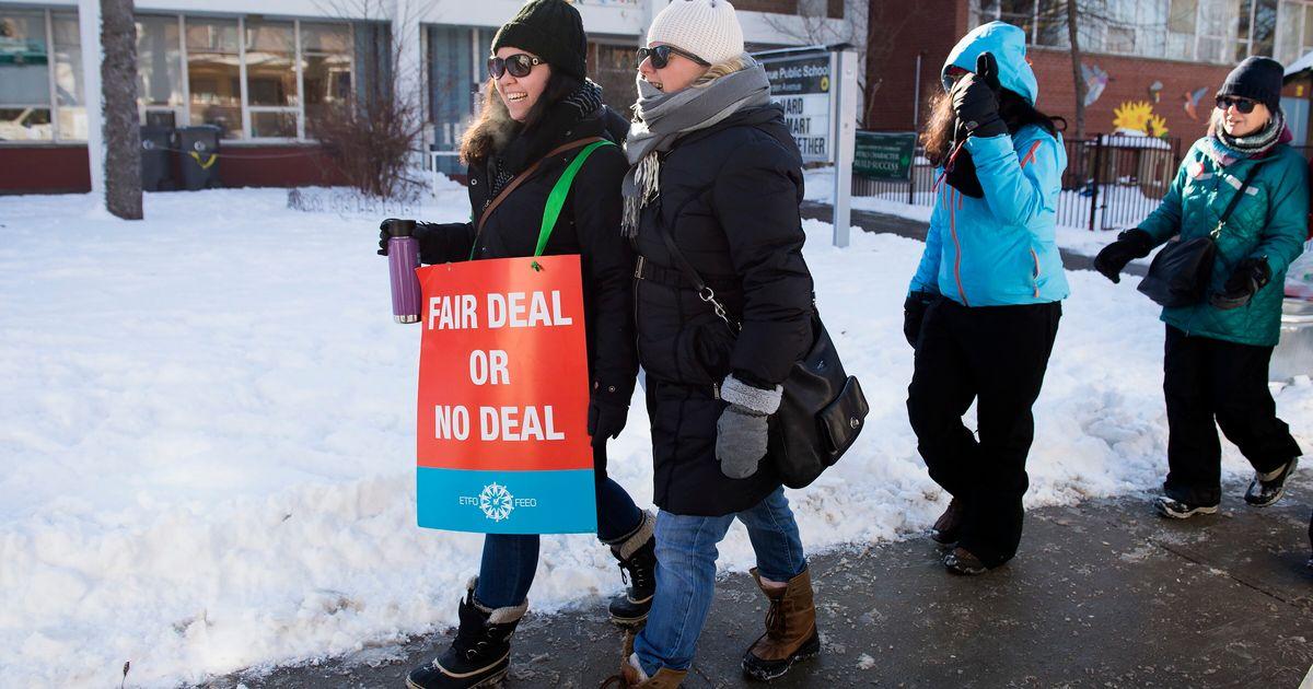 オンタリオ州のカトリック系学校はすべて、火曜日に教師のストライキで閉鎖