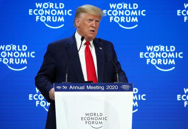 Présent au Forum économique mondial de Davos, Trump sera absent des audiences de son procès...