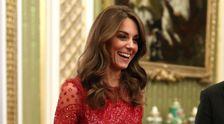 Kate Middleton Blendet In Pailletten Roten Kleid Inmitten Des Königlichen Aufruhrs
