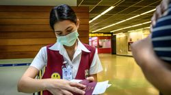 Croce Rossa in pista, scanner per la febbre, passeggeri schedati. Fiumicino si prepara all'assalto del coronavirus da