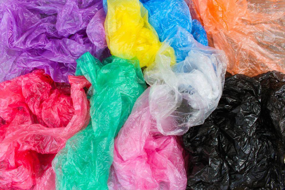 Les sacs plastiques à usage unique constituent une catastrophe écologique