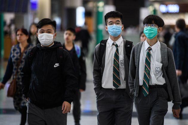 Coronavirus cinese, salgono a 25 le vittime. L'Oms rinvia a domani la decisione sulle