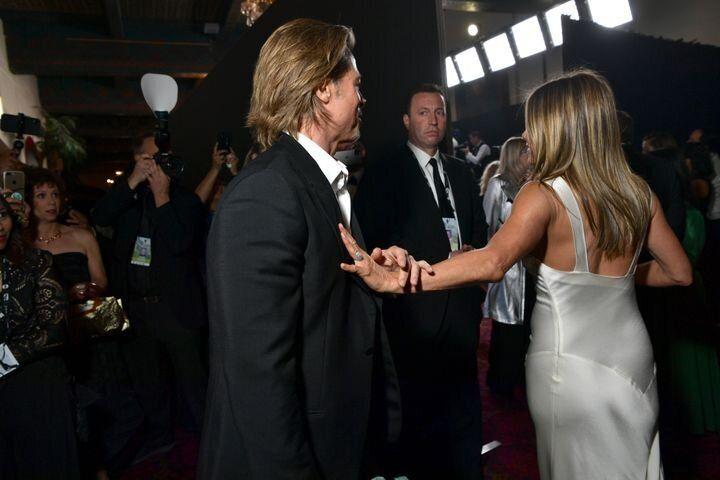 Las fotos, sobre todo la de Brad Pitt cogiéndole la mano a Jennifer Aniston, causaron un gran revuelo durante el fin de semana.