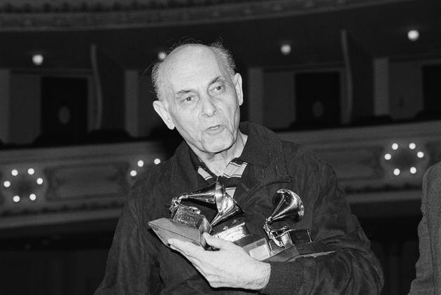 Sir Georg Solti et quatre de ses 31 Grammy Awards, ici en