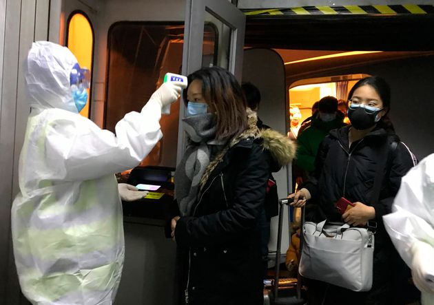 Controles de temperatura de pasajeros en trenes y estaciones de