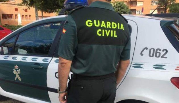 Detenido un hombre tras asesinar a su pareja en Caniles