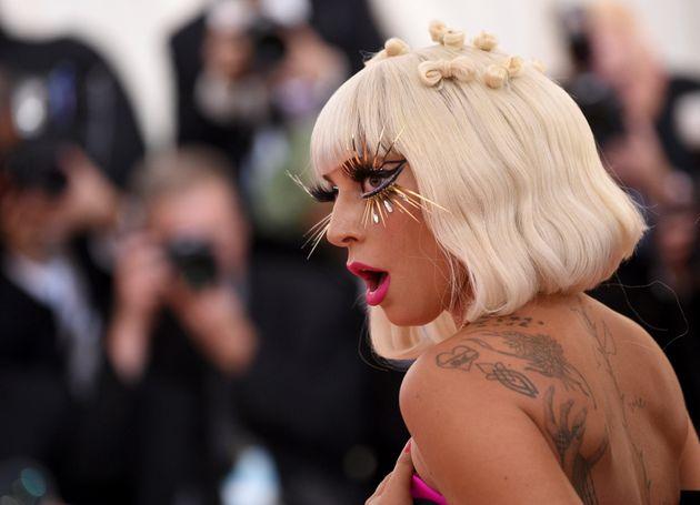 Lady Gaga: Φρενίτιδα για το τραγούδι...