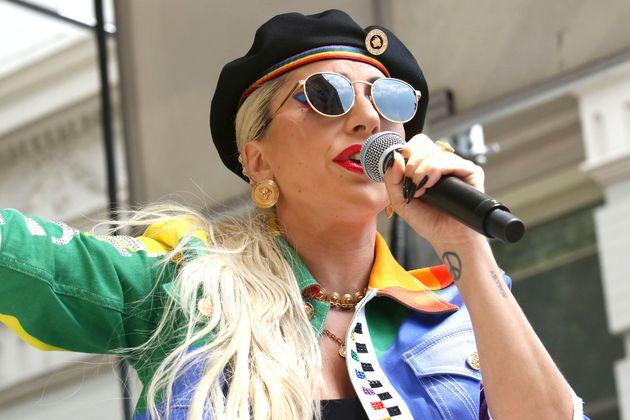 """Lady Gaga a un message pour ceux qui piratent """"Stupid Love"""""""
