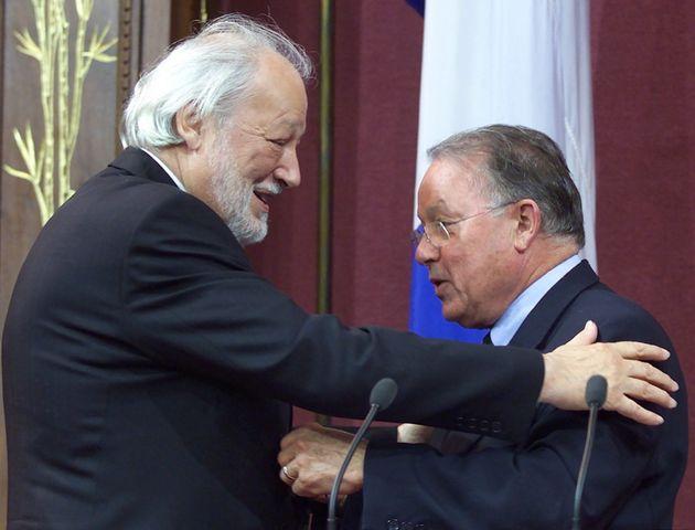 Fernand Daoust a reçu l'Ordre national du Québec des mains du premier ministre de l'époque,...