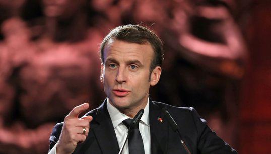 """Macron refuse que la Shoah soit utilisée pour """"justifier"""" la"""