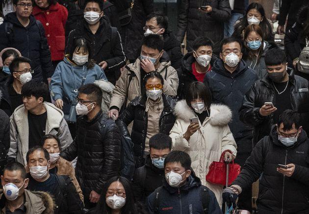 Las mascarillas se han convertido en un elemento básico de seguridad para la población