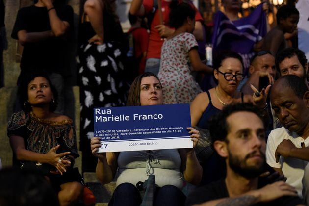 Governador do DF veta homenagem a Marielle Franco em nome de