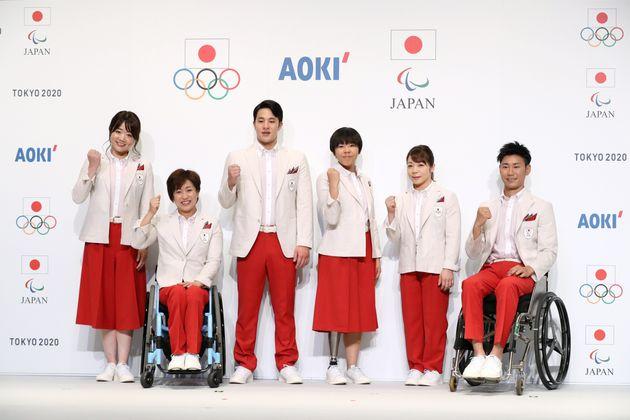 ダサい? オリンピックの公式ウェア、過去の開会式を振り返ってみると…(画像)