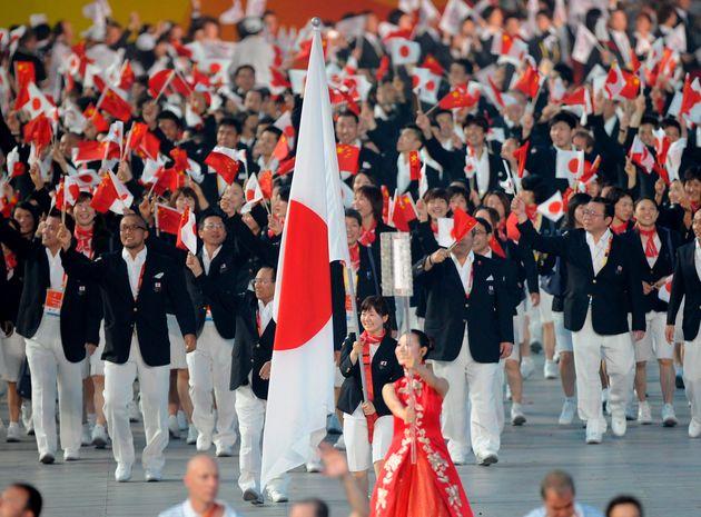 北京オリンピックの開会式で入場行進する日本選手団(2008年)