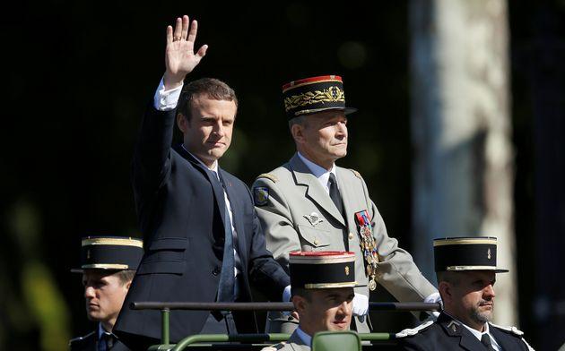 Emmanuel Macron aux côté du général Pierre de Villiers, le 14 juillet 2017...
