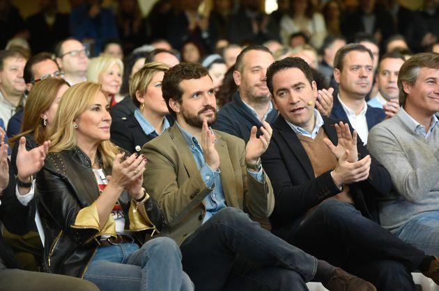 Ana Beltrán, Pablo Casado y Teodoro García Egea, durante un acto en